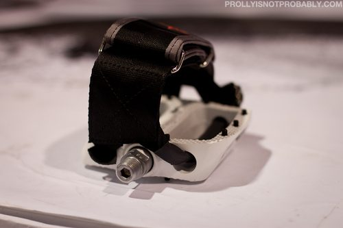 hold-04-PINP.jpg