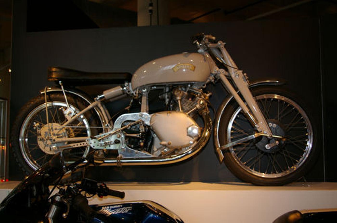 greyflashmotorbike.JPG