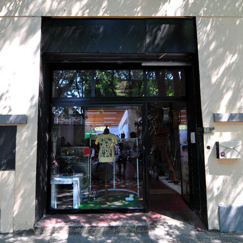 DSC_7591_storefront.JPG